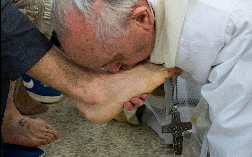 pope feet www.telegraph.co.uk