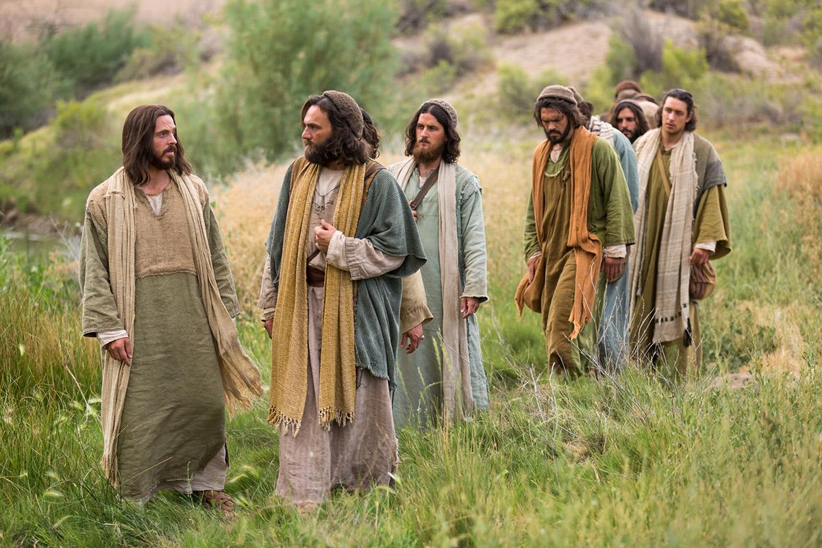jesus-walks-with-his-disciples-lds